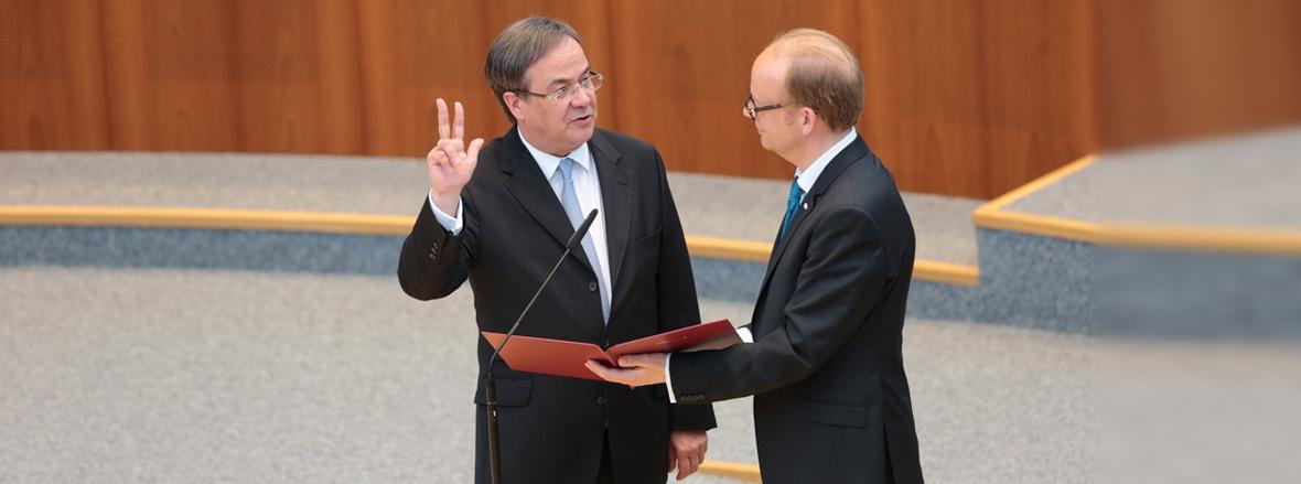 Nordrhein-Westfalen hat einen neuen Ministerpräsidenten. Herzlichen Glückwunsch, Armin Laschet!